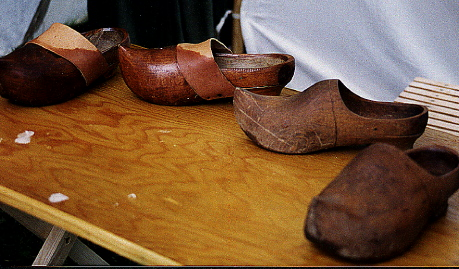 Les sabots en Bourgogne dans Traditions en Bourgogne bretons